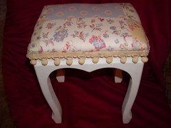 Fancy_stool_mrs_klauseyahoocom_9